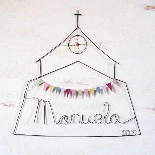 Capilla en alambre con nombre by Teresa Abaitua